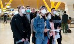 En España, los fallecidos por el coronavirus se elevan ya a 35, mientras más de 1.600 personas han d