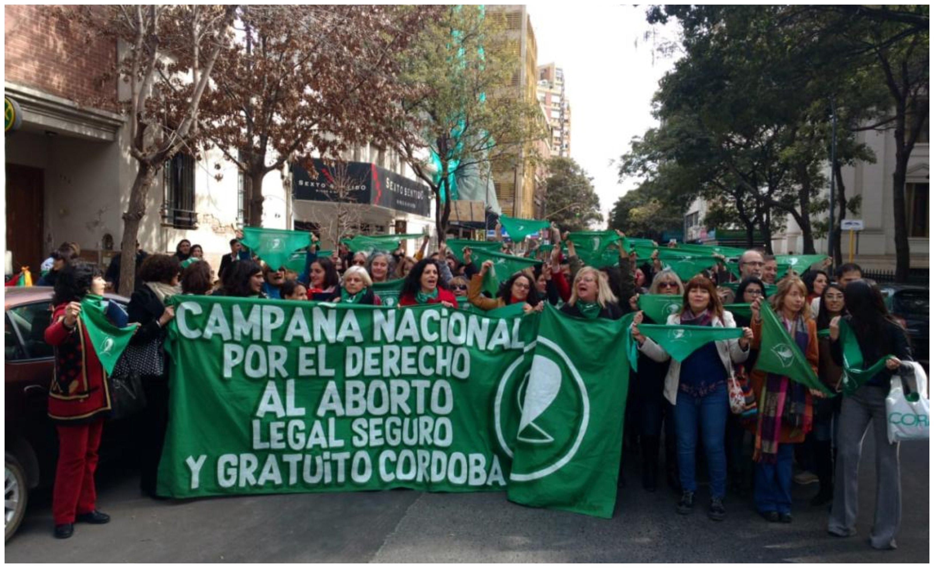 Argentinas presionan por la legalización del aborto