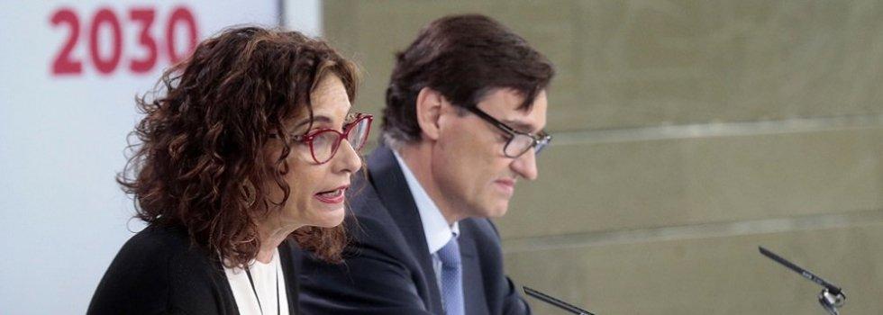 La ministra portavoz, María Jesús Montero, y el titular de Sanidad, Salvador Illa
