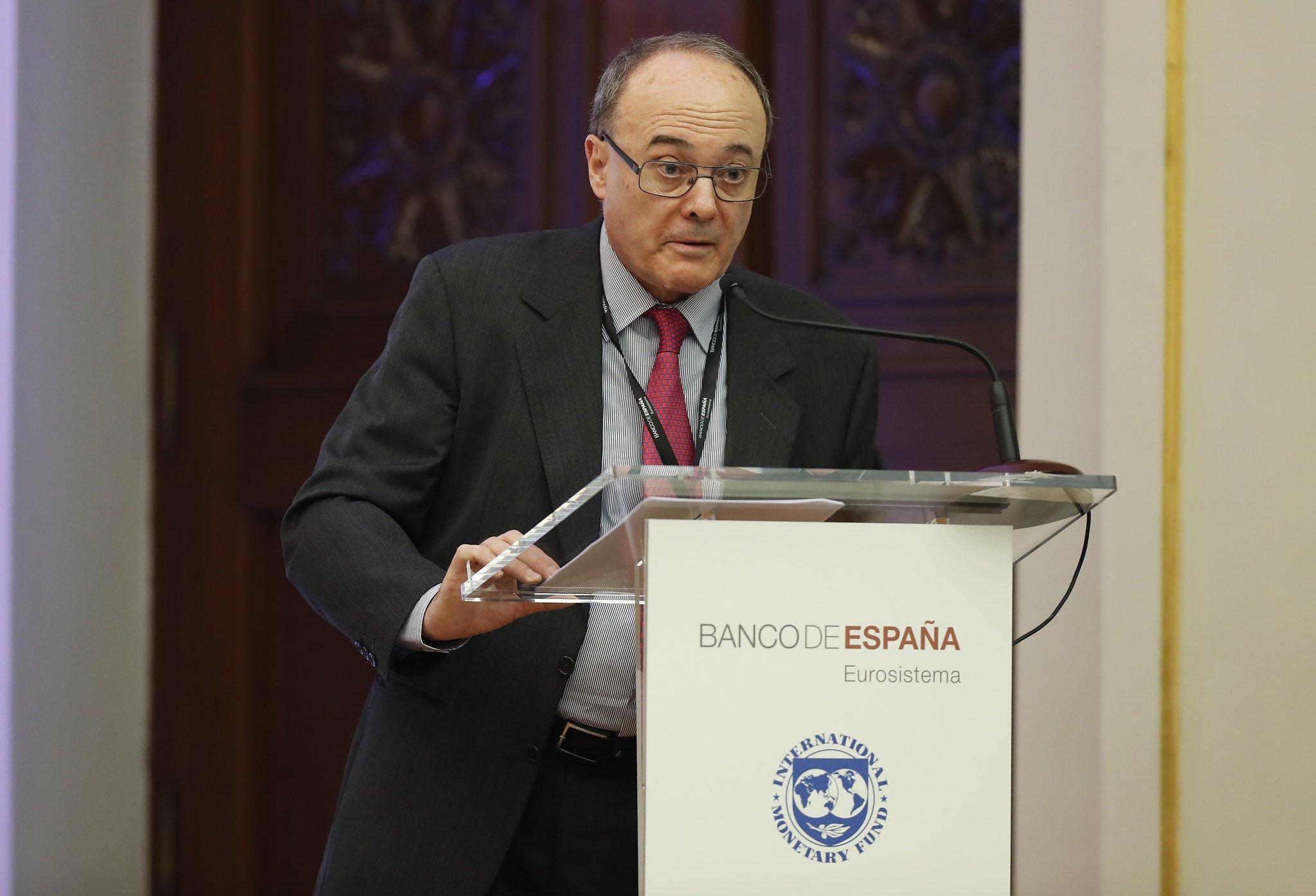 El exgobernador del Banco de España acusa: el Banco Popular nunca debió ser intervenido.
