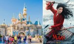 Un parque temático Disneyland y el cartel de la película 'Mulán'