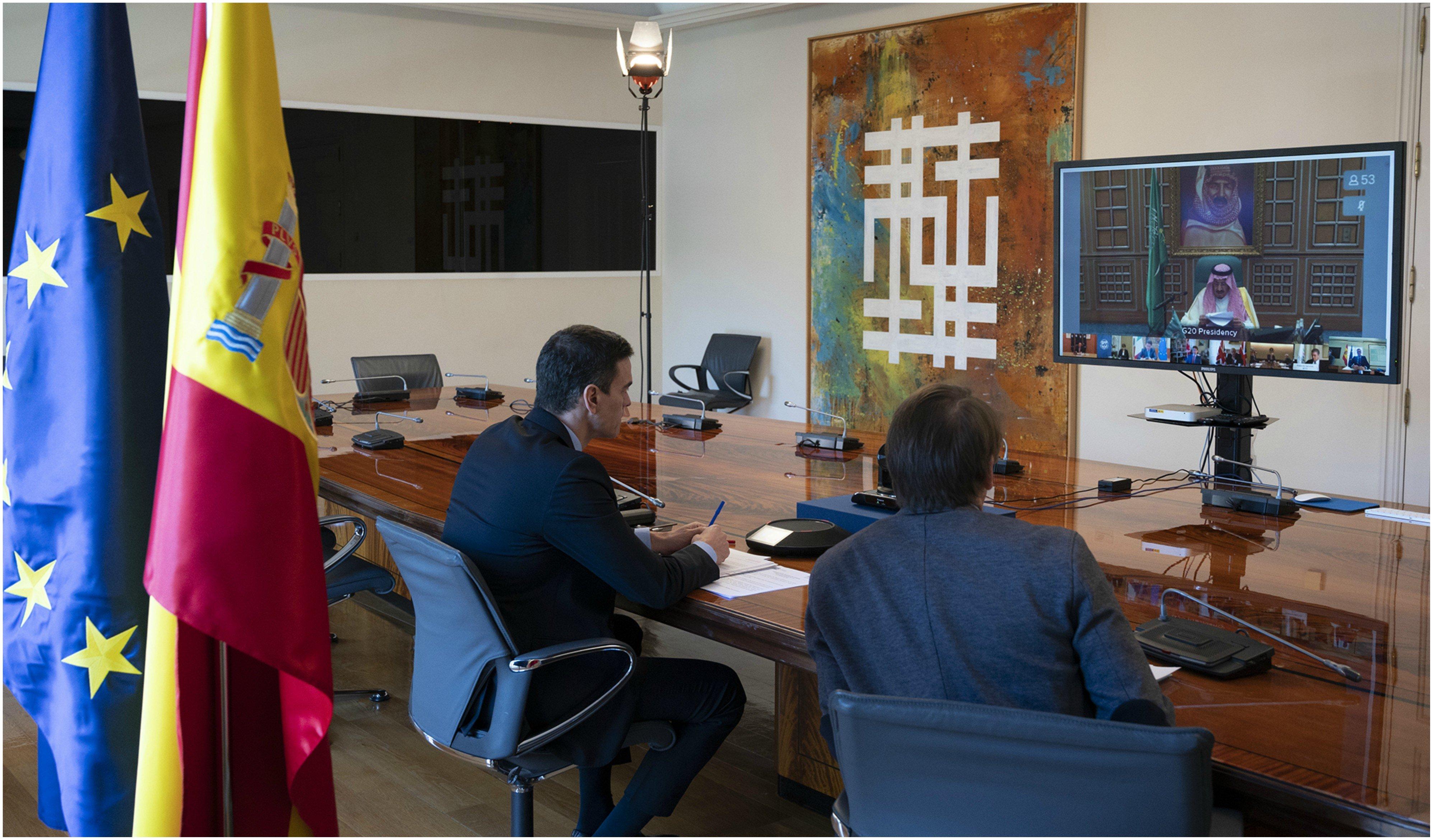 Pedro Sánchez participa por videoconferencia en el G 20