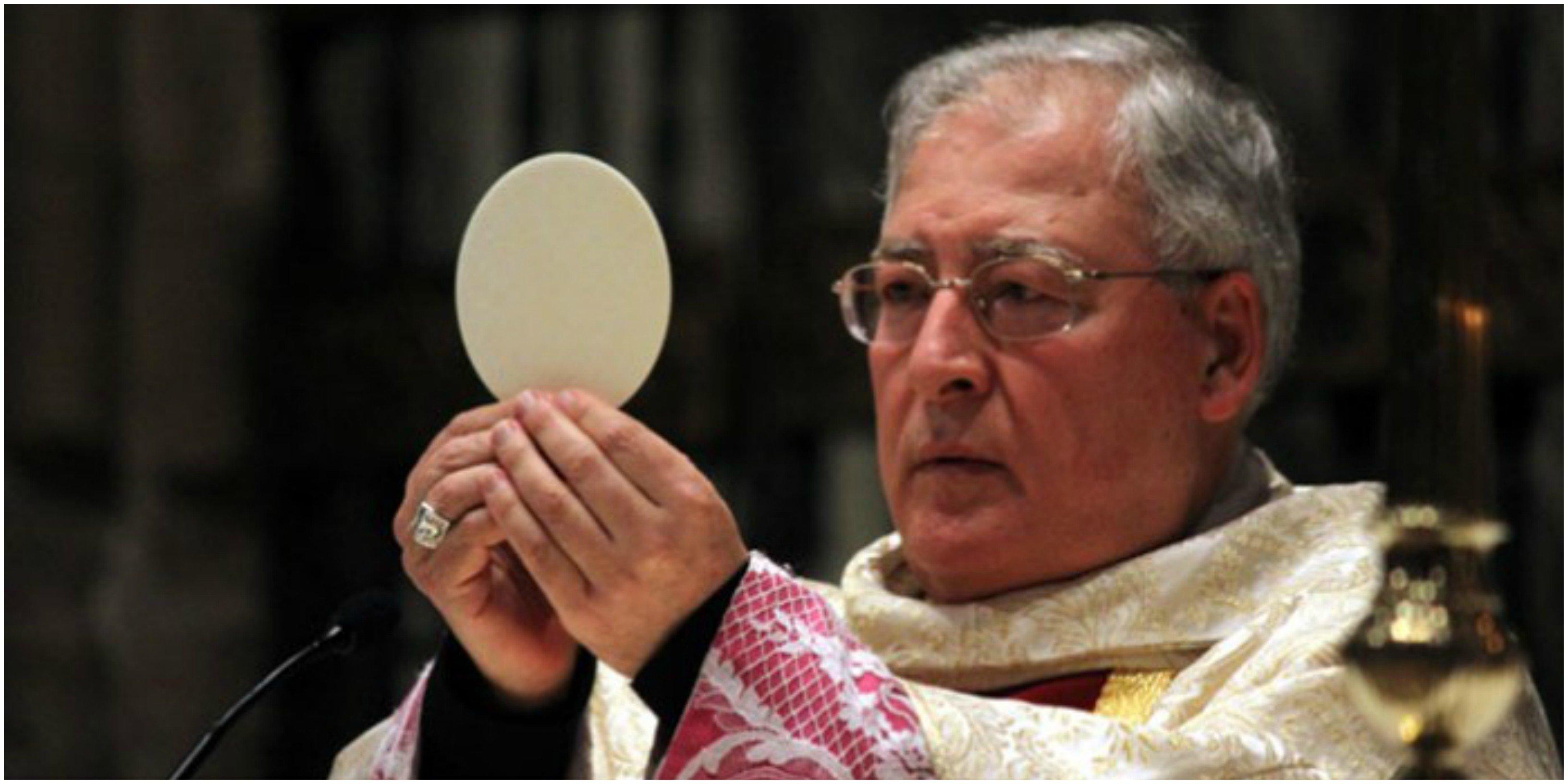 El obispo Reig Pla, el único que mantiene las eucaristías públicas.