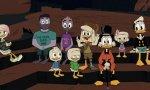 Escena de la serie animada 'Pato Aventuras' donde se puede ver a los dos papás gays