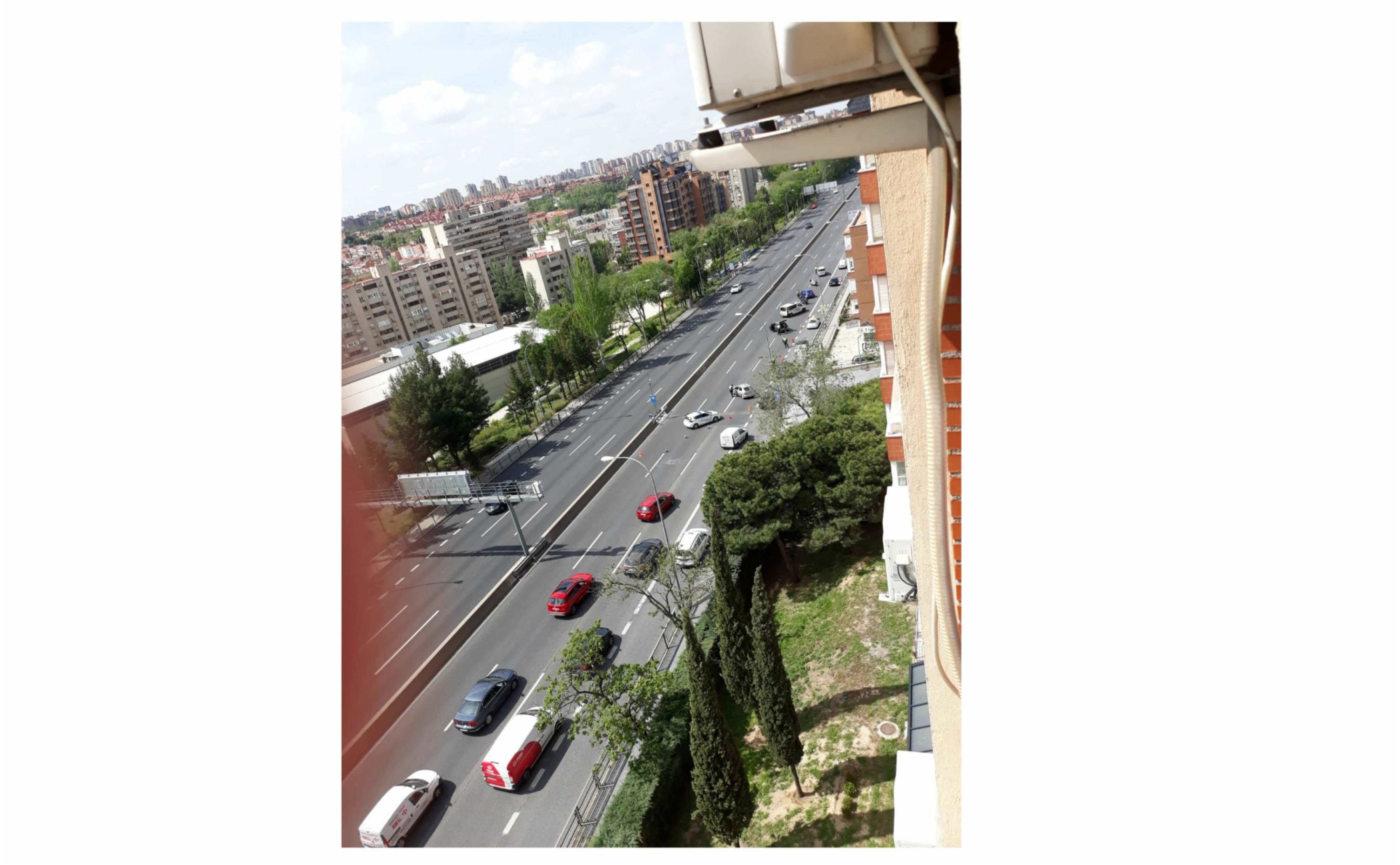 La policía creando atascos en las salidas de Madrid para que nadie se escape
