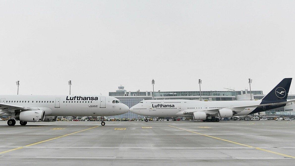 Aviones de la aerolínea Lufthansa en tierra por culpa de la pandemia del coronavirus, como los del resto de aerolíneas