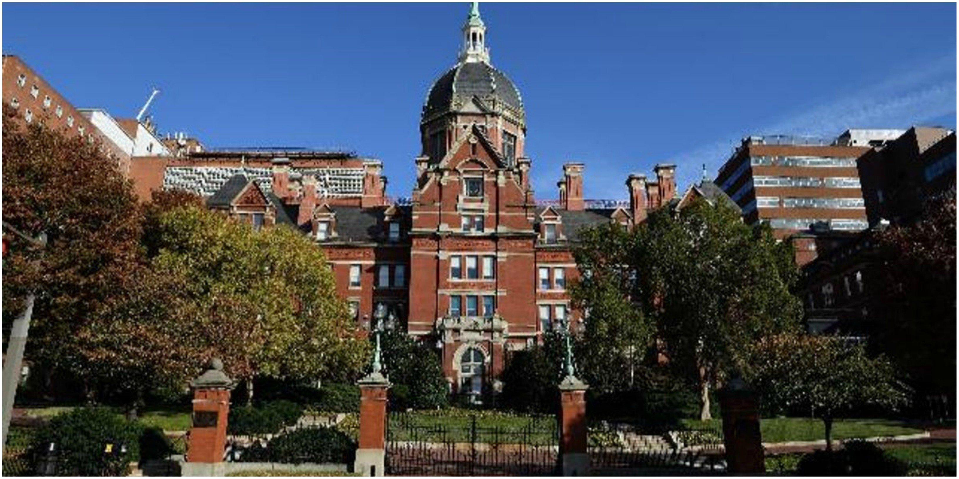 La caradura de Sánchez para neutralizar a la Johns Hopkins: sólo coge los datos que le interesan