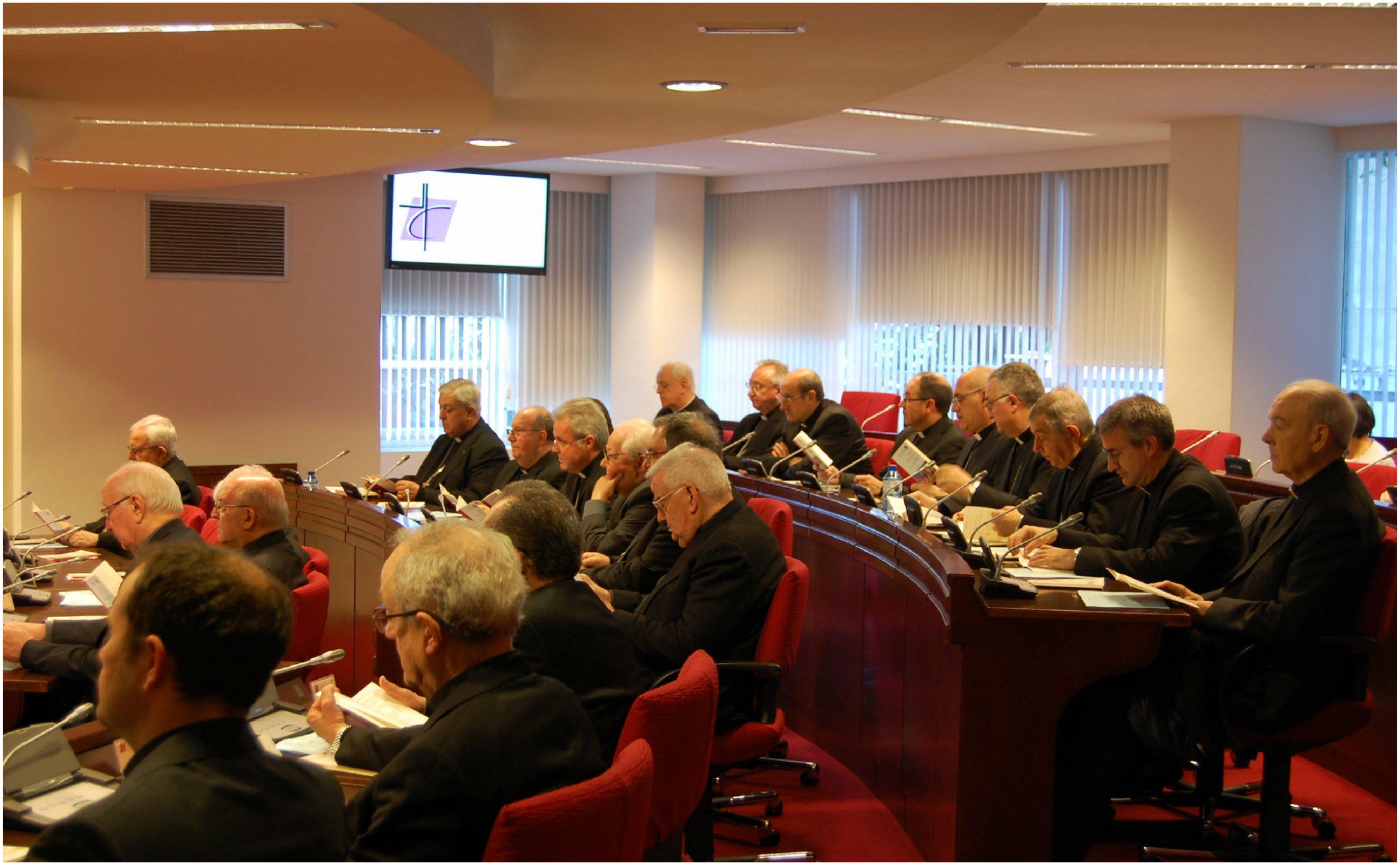 Y Sánchez doblegó a los obispos españoles: peligroso precedente
