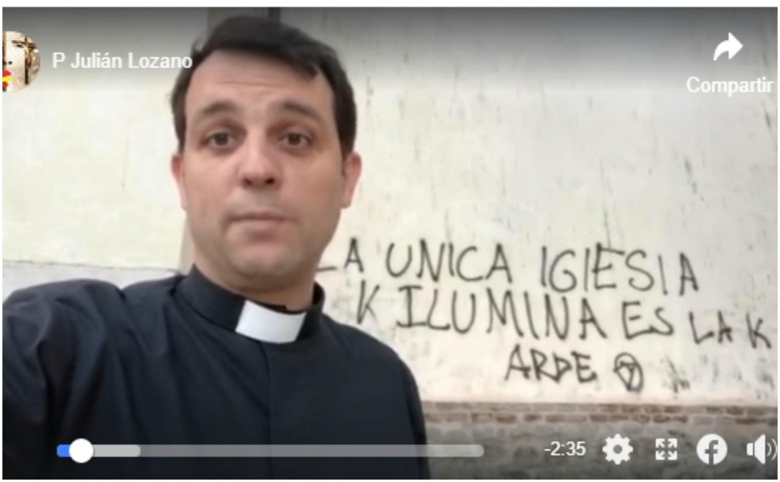 Sí, este cura madrileño tiene razón: la cristofobia se dispara en España. Y el Gobierno Sánchez-Iglesias lo anima