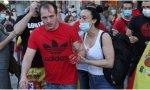 Alberto, el joven agredido en Moratalaz, junto a su novia