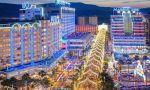 Wang Jianlin, el hombre más rico de China, sigue haciendo negocio en España: quiere comprar Marina d'Or