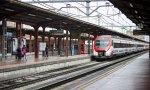 Un tren de Cercanías entrando en la madrileña estación de Chamartín