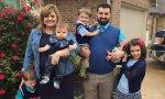 Abby Jhonson con cinco de sus hijos