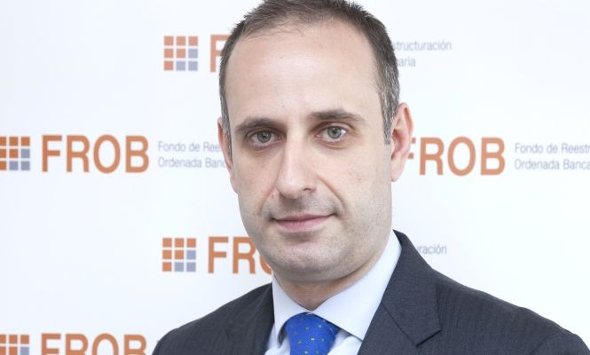 Las cuentas del FROB, que preside Jaime Ponce, constatan el fracaso del saneamiento bancario.