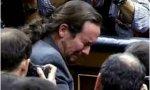 Disparar a una foto de Pedro Sánchez no es odio, es chabacanería; hacerse la víctima por ello es una horterada