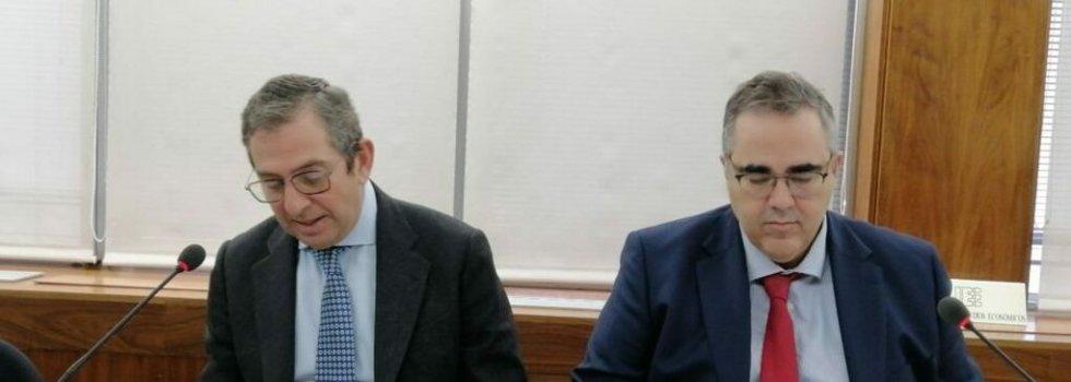 Iñigo Fernández de Mesa, presidente del IEE, y Gregorio Izquierdo, director general