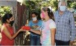 Vuelve Maduro: reparte mortadela entre los ciudadanos a cambio de votos