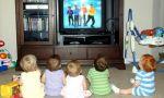 ¿De verdad queremos esto? Los niños de EEUU pasan un día entero a la semana frente a una pantalla