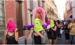 La acusada de participar en la procesión de una vagina de plástico como si fuera una virgen dice que no quiso ofender a los católicos...Hay que ver qué susceptibles son los católicos