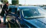 Paseando a Iglesias... y a los 4 ministros de Podemos en 14 coches oficiales. Y eso que sus estatutos no se lo permiten