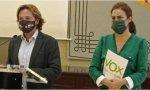 El portavoz de Vox en el Parlamento balear, Jorge Campos, junto a la diputada Idoia Ribas