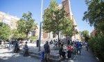Las colas que hacen las personas desfavorecidas para recoger comida se han multiplicado en España. Esta, en la Parroquia Santa María Micaela de Madrid, es sólo un ejemplo