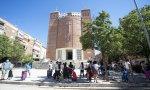 Reparto de alimentos a las personas desfavorecidas en la parroquia Santa María Micaela de Madrid