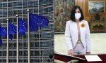 Carolina Darias defiende la vacuna de AstraZeneca a pesar de los efectos secundarios mientras Europa solo le exige al laboratorio que cumpla los plazos de entrega