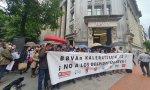 Despidos y protestas en banca