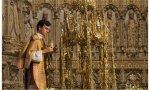 """""""Veintisiete años lleva la famosa Custodia de Enrique de Arfe desfilando por las callejas de la Imperial Ciudad con su pieza más valiosa desprovista de las piedras preciosas que la enriquecían..."""""""