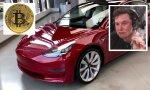 Elon Musk, CEO de Tesla, no tuvo reparos en fumarse un porro durante una entrevista... ¿hará lo mismo cada vez que hace un anuncio sobre bitcoin?