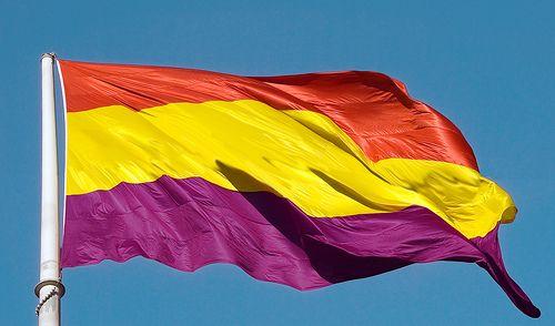 Los separatistas ya no hablan de independencia sino de República… laicista, por supuesto