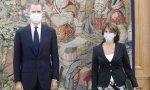 Dolores Delgado ha acudido este viernes a La Zarzuela para entregar a Felipe VI la memoria anual de la Fiscalía