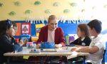 Nuevo curso. Cristina Cifuentes explica a los niños que pueden ser niños o niñas, o ambas cosas, o la mitad de ellas