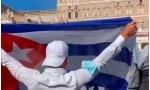 """""""¡Dios, patria, vida y libertad!"""", fue uno de los gritos que hizo un grupo de mujeres que se manifestaba pacíficamente pidiendo que el Vaticano ponga su atención en Cuba"""