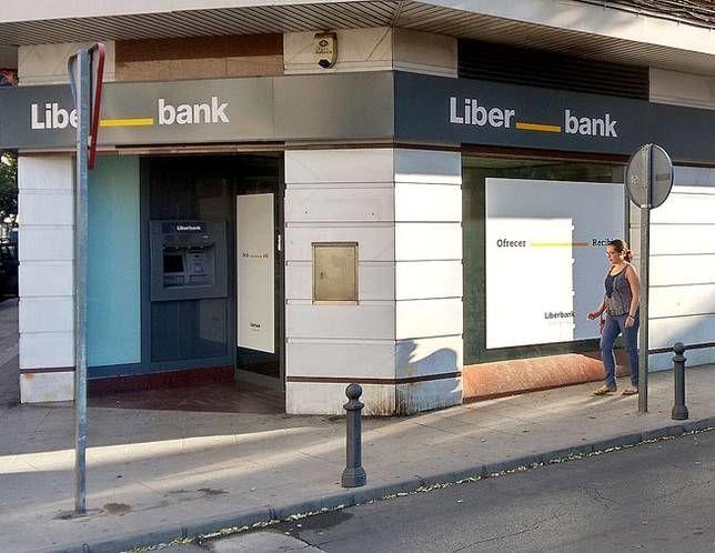 Liberbank da el paso tan temido: propone a los sindicatos reducir los salarios entre un 5% y un 8,75%