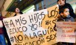 """Uruguay se moviliza contra la imposición de la ideología de género: """"A mis hijos no los tocan"""""""