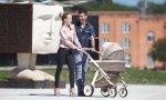 Padres y carrito bebe