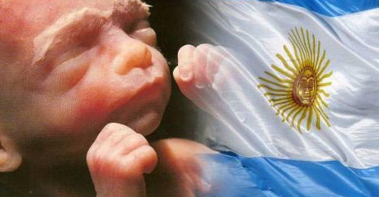 Aprobar el aborto es una obsesión de la masonería, también en Argentina