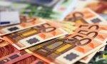 Euros. El PIB crece otra vez un 0,7%, aunque recorta dos décimas en el año, hasta el 2,9%.