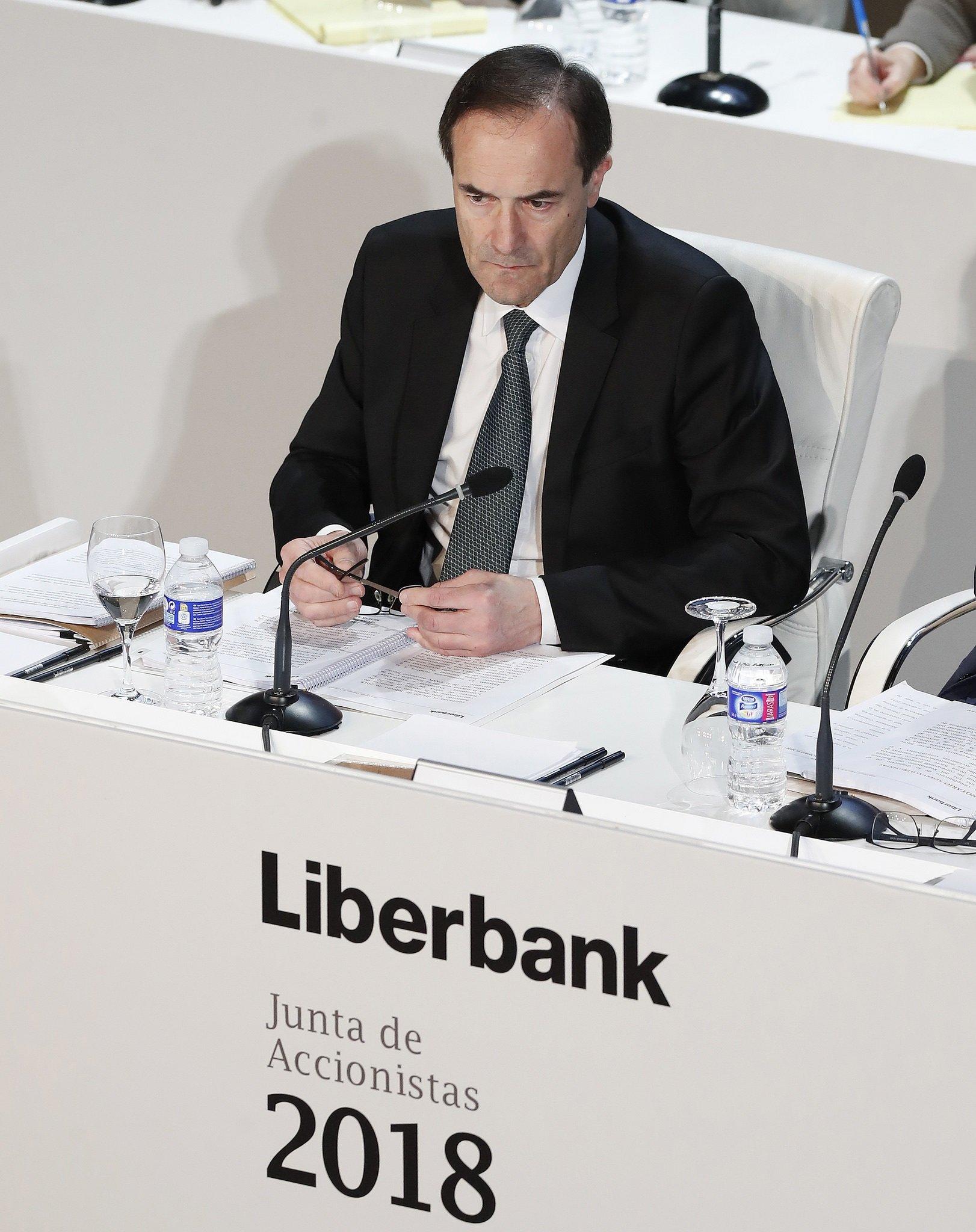 El Banco de España tiene un problema: nadie quiere la entidad que dirige Manuel Menéndez
