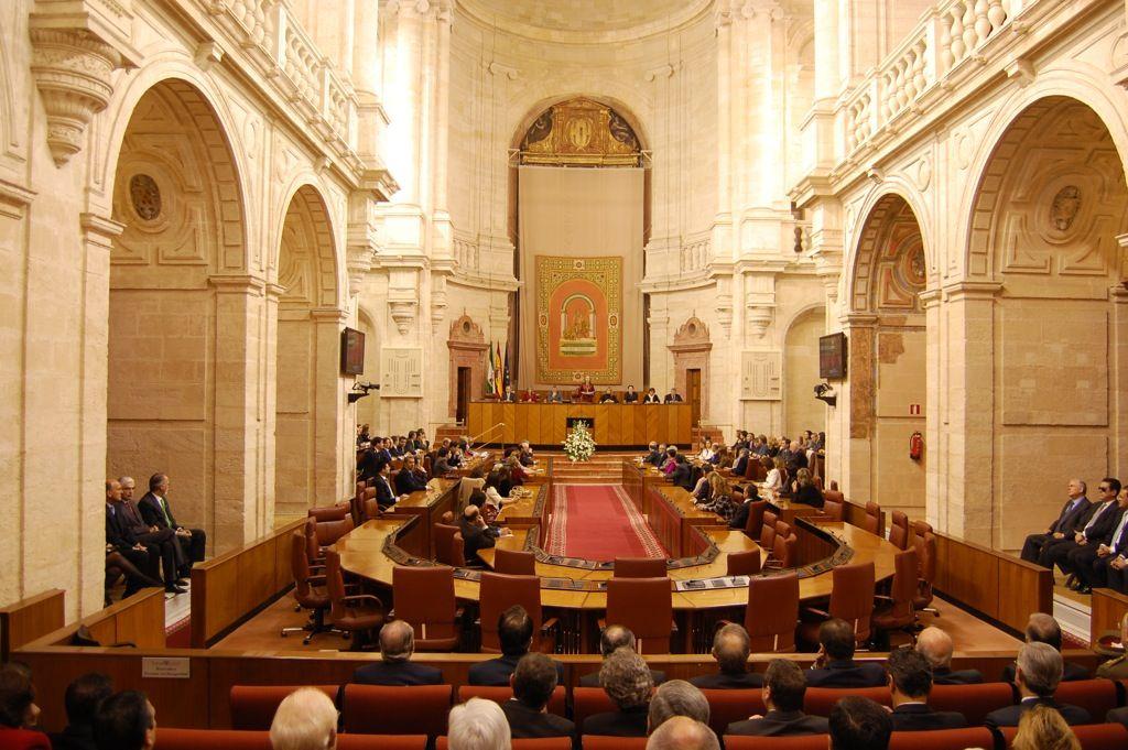 Andalucía. Un acuerdo 'secreto' del Parlamento subió el sueldo de los diputados en 2013