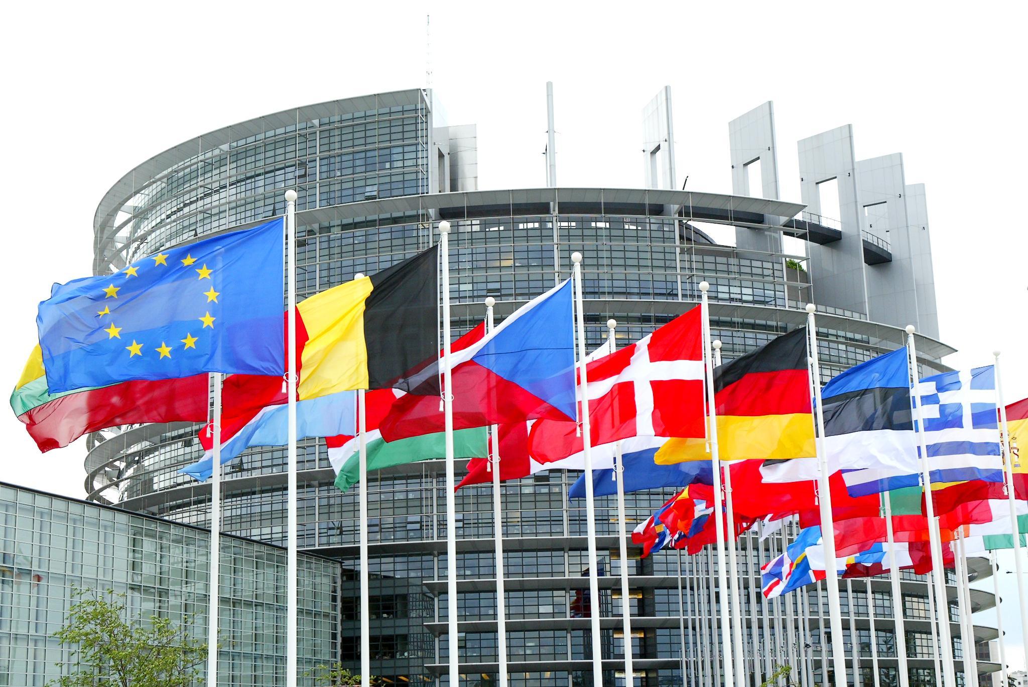 Tras la bofetada del Tribunal Europeo, Sánchez se niega a salir de Schengen